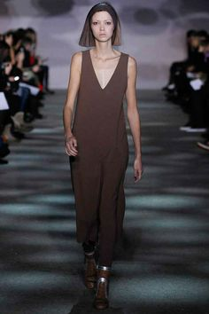 Marc Jacobs Fall 2014 RTW - Runway Photos - Fashion Week - Runway, Fashion Shows and Collections - Vogue