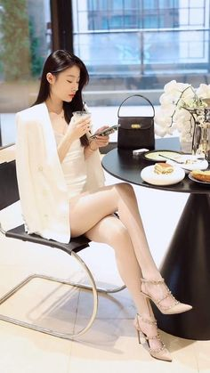 Business Outfits Women, Business Women, Asian Street Style, Street Style Women, Office Fashion, Street Fashion, Office Outfits, Asian Fashion, Asian Beauty