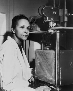 Jane C. Wright, a pioneering oncologist who helped elevate chemotherapy from a last resort for cancer patients to an often viable treatment option, died on Feb. 19 at her home in Guttenberg, N. Thing 1, Black History Facts, Photographs Of People, Medical History, Badass Women, Cancer Treatment, Women In History, Ladies Day, Amazing Women