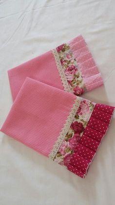 Crochet Edging Tutorial Tea Towels Ideas For 2019 Dish Towel Crafts, Dish Towels, Hand Towels, Tea Towels, Sewing Hacks, Sewing Crafts, Sewing Projects, Diy Crafts, Crochet Edging Tutorial