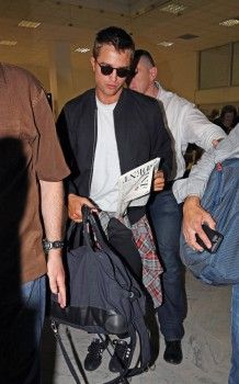 Rob arriving in Nice, France for Cannes, 5-16-14 (30)