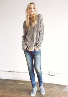 Look 11     Oversized Pullover (Natural Jacquard), Loose Skinny (Dirty Faded)