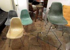 S 698 Jan Suite de 4 chaises Eames fibre de verre 1960