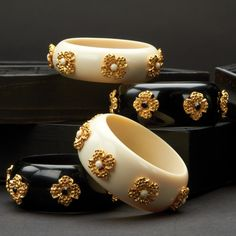 Ebony/Ivory Bracelet Assorted 2 Colors in 2 Styles © Twos Company