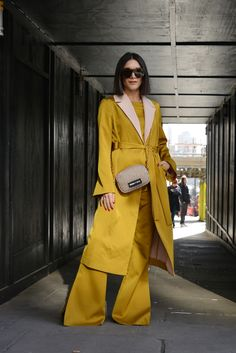 Real Street Style: London Fashion Week February 2018 Photographed by David Nyanzi - Fashion Bomb Daily Style Magazine: Celebrity Fashion, Fashion News, What To Wear, Runway Show Reviews