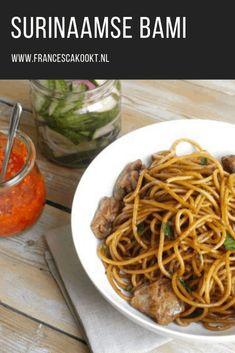 Surinaamse bami - Francesca Kookt Pureed Food Recipes, Cooking Recipes, Carribean Food, Good Food, Yummy Food, Dutch Recipes, Special Recipes, Food To Make, Recipes