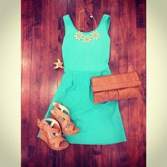 Summer dress with cute sandals and clutch.