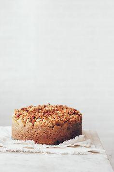 apple crumble cake with malt caramel