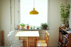 Chair combo; yellow lampshade