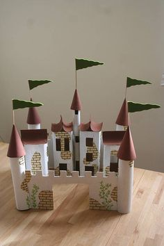Kids Play Castle - made from upcycled cardboard tubes - use foil, tissue, or paper towel tubes Cardboard City, Cardboard Castle, Cardboard Tubes, Cardboard Crafts, Cardboard Cartons, Kids Crafts, Hobbies And Crafts, Craft Projects, Paper Towel Tubes