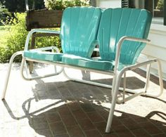 Buy Retro Metal Lawn Furniture Here - Thunderbird Double Glider - For the patio,yard,pool or porch! Vintage Metal Glider, Vintage Metal Chairs, Metal Lawn Chairs, Vintage Porch, Patio Chairs, Vintage Wood, Patio Furniture Makeover, Metal Patio Furniture, Outdoor Furniture Sets