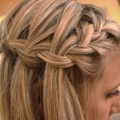 i love the waterfall braid updo Love this hair hair Popular Hairstyles, Pretty Hairstyles, Braided Hairstyles, Straight Hairstyles, Short Hairstyles, Beautiful Braids, Gorgeous Hair, Pretty Braids, Fun Braids