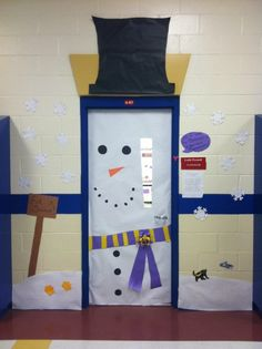 Snowman Door... I definitely want to do this for my dorm next year!