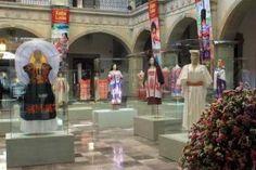 Trajes típicos y máscaras de Juxtlahuaca engalanan Museo del Palacio