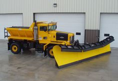 "Oshkosh P Series Snow plow, TIM ""this is for real men, who want to plow there driveway, the binford plow"". AL "" i dont thik so tim"" Dump Trucks, Cool Trucks, Big Trucks, Hard Water Remover, Snow Removal Equipment, Snow Machine, Snow Fun, Snow Plow, Vintage Trucks"