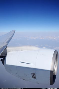 Boeing 777-367 aircraft picture