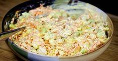 Vynikajúci šalát s kuracím mäsom, syrom a fantastickou zálievkou! Všetci si ho zamilujú! - Recepty od babky Spaghetti Eis Dessert, Potato Salad, Macaroni And Cheese, Cabbage, Salads, Food And Drink, Low Carb, Rice, Vegetables