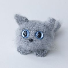 8/21/11 UPDATE: Pattern has been updated to include new, clearer photos. All the kitteny goodness, now with better detail!