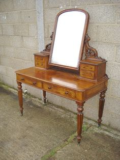 Early victorian dressing table