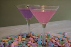 Take your vodka to the next level, just add candy. We share some of the most fantastic candy-infused vodka recipes you can try today. Valentine's Day Drinks, Vodka Drinks, Party Drinks, Yummy Drinks, Vodka Martini, Drinks Alcohol, Holiday Drinks, Holiday Ideas, My Funny Valentine