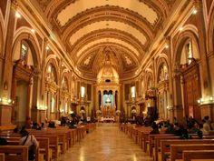 María Inmaculada de la Salud de Pátzcuaro Vista del interior de la Basílica de Nuestra Señora de la Salud, Pátzcuaro, México.