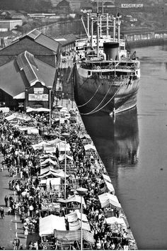 Then and Now: Newcastle Quayside Sunday market, 1978 Newcastle England, Newcastle Town, Old Pictures, Old Photos, Teen Costumes, Woman Costumes, Couple Costumes, Pirate Costumes, Group Costumes