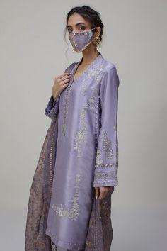 Pakistani Formal Dresses, Pakistani Fashion Party Wear, Pakistani Bridal Dresses, Pakistani Dress Design, Pakistani Outfits, Indian Outfits, Indian Fashion, Pakistani Clothing, Pakistani Couture