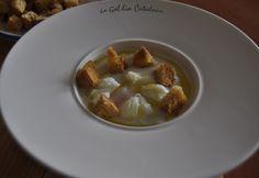 Avui farem una recepta de vichyssoise de Ferran Adrià però hi introduirem un parell de petites variacions, no l'acompanyarem amb ous durs, ho farem amb ous poché i la servirem tèbia, no freda de la nevera. Ingredients per a 2 persones: 1 porro 1 patata mitjana ½ ceba 40 ml. …