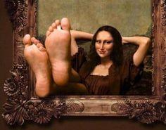 Kick Back Mona Lisa