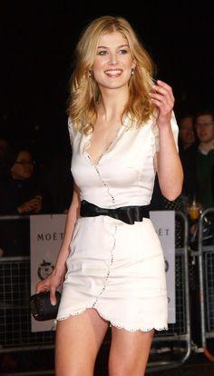 Rosamund Pike. Loving her white dress.