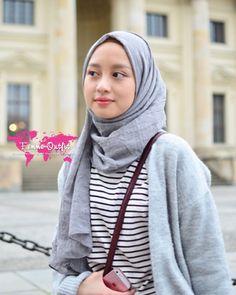 Casual Hijab Outfit, Ootd Hijab, Casual Outfits, Hijab Bride, Pakistani Wedding Dresses, Pashmina Hijab Tutorial, Turban Hijab, Muslim Brides, Hijab Fashion