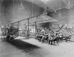 Lecture on rigging, School of Aviation, Royal Flying Corps Canada, University of Toronto / circa 1917