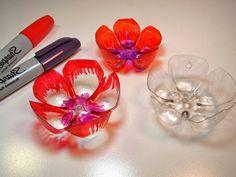 bricolage bouteille plastique peindre les bouteilles et faire des fleurs