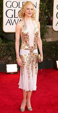 Nicole Kidman - The 12 Riskiest Golden Globes Looks Ever - YSL Rive Gauche by Tom Ford