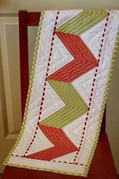 Table Runner Quilt Patterns | FaveQuilts.com