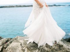 A pretty Hawaiian wedding couldn't be perfect without the right wedding dress, and take a look at this one!