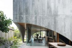 Uncompromising geometry: Hawthorn House | ArchitectureAU