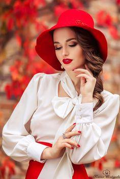 Beautiful woman♥️♥️ by Еvica Randjelovic Photography Poses Women, Portrait Photography, Fashion Photography, Modeling Fotografie, Stylish Girl Pic, Girls Dpz, Girls Image, Girl Face, Belle Photo