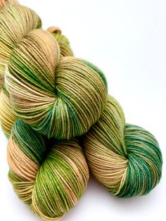 Hand gefärbte Garn grün oliv Tan Braun Khaki von CrookedKitchenYarn