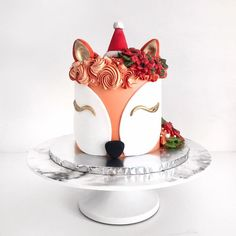 "4,810 Likes, 55 Comments - Shaun Teo (@shaunteocreations) on Instagram: ""A foxy Christmas with this festive Fox cake! No need for reindeers, make way for the foxes! ✨"""