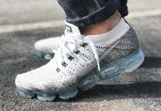 Preview: Nike Air VaporMax Flyknit in White/Black