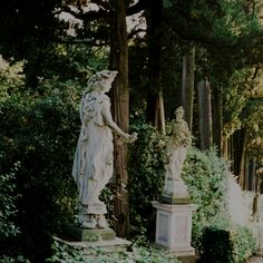 # garden of cinderella&charming's castle )