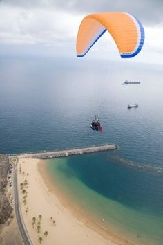 Parapente in Las Teresitas Beach. Santa Cruz de Tenerife. Tenerife. Canary Islands. Spain