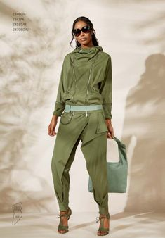 Express Shipping Women S Fashion Code: 2498097218 Sport Fashion, Love Fashion, Fashion Brands, Womens Fashion, Khakis Outfit, Elisa Cavaletti, Sports Trousers, Casual Outfits, Fashion Outfits