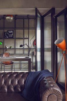 Un proyecto fruto de una intensa colaboración entre interiorista y promotor. El resultado final, una estética industrial con pinceladas decorativas basadas en superhéroes.   #interiordesign #interiorismo