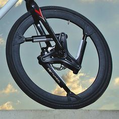 Softwheel Fluent suspends (and damps) your bike by the wheels - Bikerumor http://www.bikerumor.com/2016/05/20/softwheel-fluent-suspends-bike-wheels/ #bicycle #bikes
