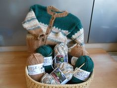 Wicker Baskets, Tricks, Straw Bag, Bags, Etsy, Fashion, Simple Machines, Jackets, Kids