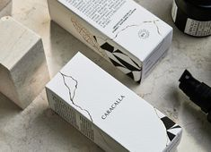 Packaging of the World is a package design inspiration archive showcasing the best, most interesting and creative work worldwide. Luxury Packaging, Brand Packaging, Makeup Package, Presentation Folder, Layout, Cosmetic Packaging, Packaging Design Inspiration, Design Agency, Identity