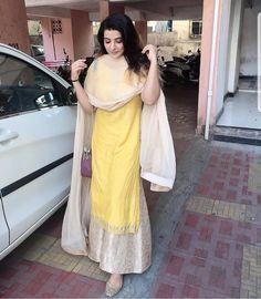 Best Trendy Outfits Part 8 Indian Gowns, Indian Attire, Pakistani Dresses, Punjabi Salwar Suits, Indian Wear, Indian Wedding Outfits, Indian Outfits, Indian Clothes, Dress Indian Style