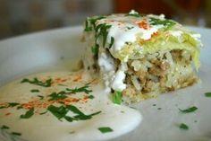 Rakott kelkaposzta Croatian Recipes, Hungarian Recipes, Casserole Recipes, Meat Recipes, Cooking Recipes, Hungarian Cuisine, Hungarian Food, Vegetable Casserole, Cabbage Casserole